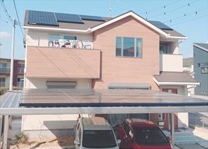 カーポートへの太陽光パネル