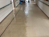 八女市病院床ハクリ洗浄WAX施工